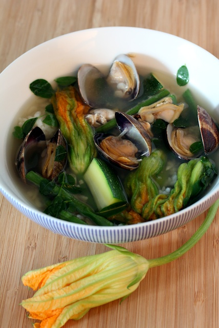 Dingengdeng with Manila Clams